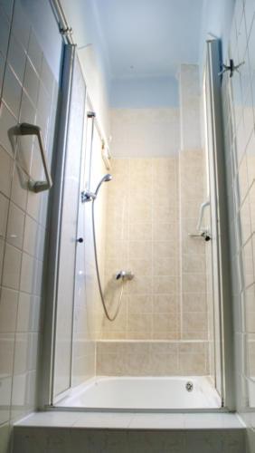 Elektra-sprchový kout